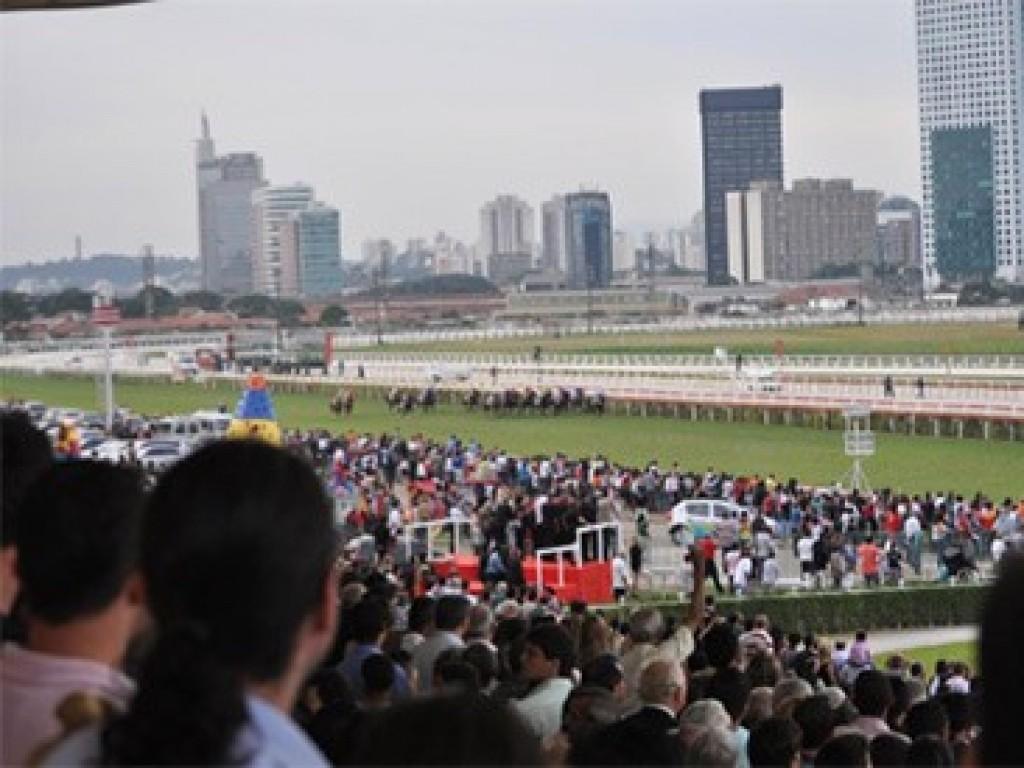 Jockey Club de São Paulo anuncia aumento no adiantamento de prêmios