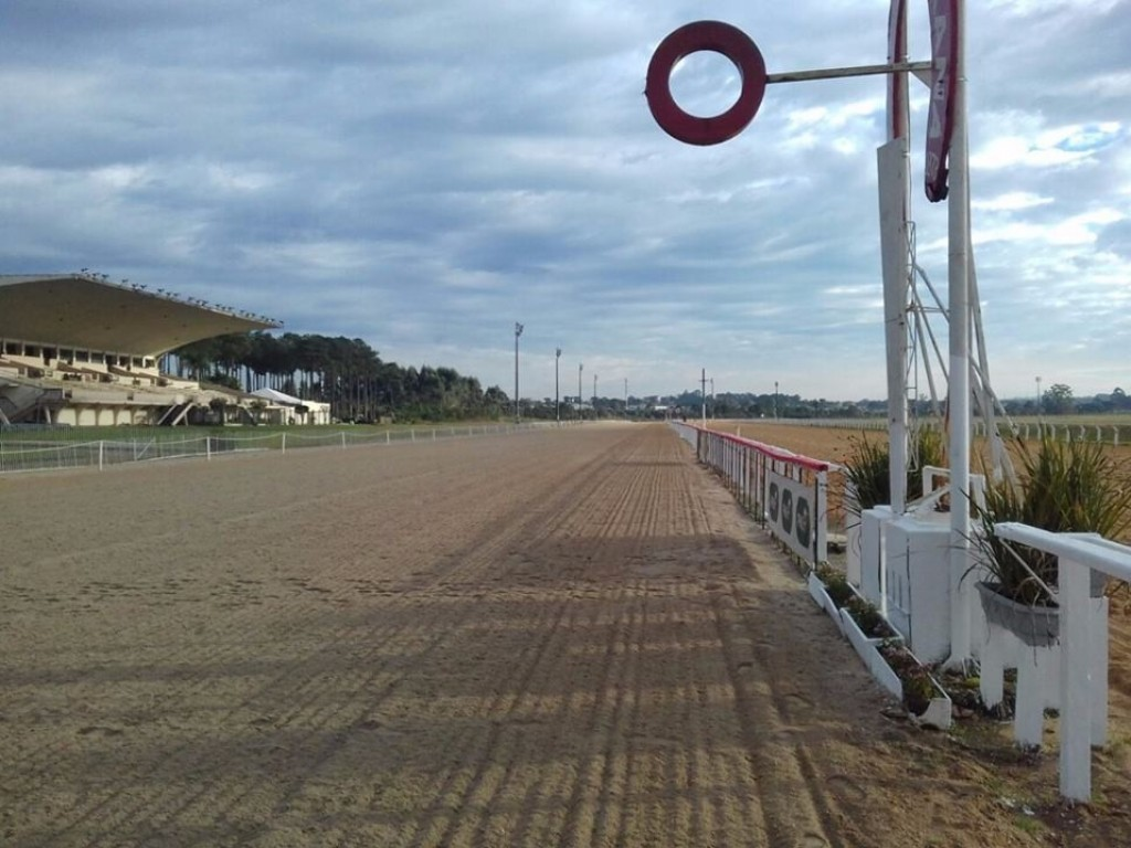 Jockey Club do Paraná: logo mais, as preparatórias da semana máxima local